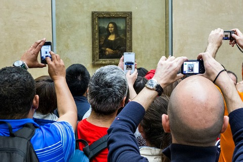 Photographers in Louvre